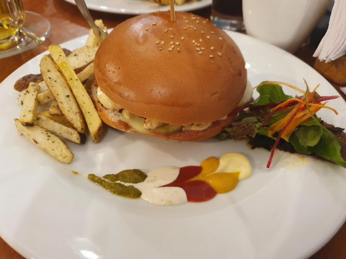 Chakruna native burgers - Cusco